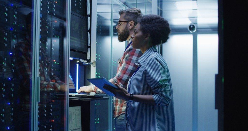 IT specialist in server room