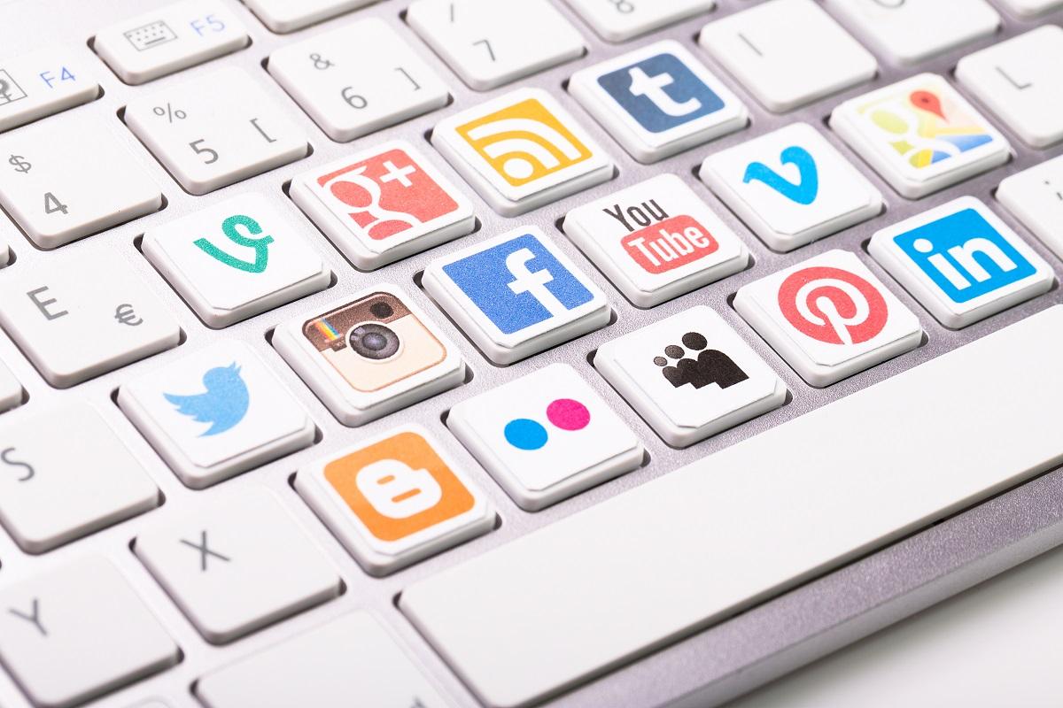 social media buttons on keyboard